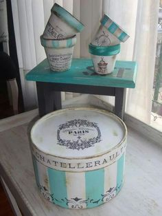 Decoupage Box, Decoupage Vintage, Diy Craft Projects, Diy And Crafts, Hat Boxes, Painted Pots, Vintage Shabby Chic, Craft Sale, Dose
