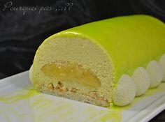 La seconde buche, totalement différente de la première !! C'est une mousse au Combava, avec un insert au confit de citron, posée sur une d...