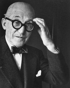 Le Corbusier's Carpenter Center for the Visual Arts, Cambridge, Massachusetts, 1963 (via archdaily.com)