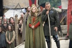 THE VIKINGS, HISTORICAL DRAMA...Still of Katheryn Winnick and Travis Fimmel in Burial of the Dead