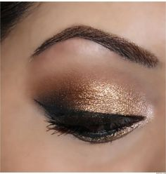 Urban Decay Naked palette look. Sin on the inner corner of the eye, Half Baked on the inner half of the lid, right next to that Smog then Dark Horse. Add Creep to the outer V and blend the crease with Buck. by terra