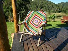 Manta colorida de crochê
