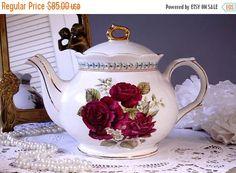 ON SALE... Beautiful Sadler English Teapot by TeacupsAndOldLace