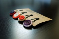 Recycled Button Hair Clips... So easy to make