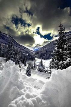 Walking in a Winter Wonderland Overseas Adventure Travel, Beautiful World, Beautiful Places, Beautiful Scenery, Winter Scenery, Winter Sunset, Snow Scenes, Winter Pictures, Winter Beauty