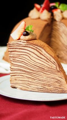 Chocolate lovers, this no-bake, layered crepe cake is for you. recipes easy breakfast videos No-Bake Chocolate Ganache Cake Easy Vanilla Cake Recipe, Chocolate Cake Recipe Easy, Chocolate Chip Recipes, Dessert Cake Recipes, Homemade Cake Recipes, Chocolate Ganache Cake, Crepe Cake Chocolate, Ganache Torte, Chocolate Chocolate