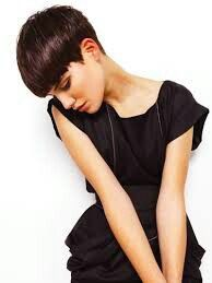 35 Trendy Blunt Short Bob Haircuts for Your Inspiration, Blunt Short Bob Haircuts From year to year, blunt short bob haircuts are traditionally topped by the lists of the most popular female haircuts. Best Bob Haircuts, Trendy Haircuts, Short Pixie Haircuts, Short Bob Hairstyles, Short Hair Cuts, Short Hair Styles, Bobs For Thin Hair, Bowl Cut, Pixie Cut