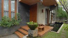 7 Inspirasi Desain Hunian Berlantai Kayu. Selain Adem Juga Membuat Teduh Rumahmu