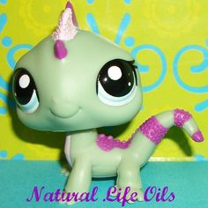 Littlest Pet Shop~#1865 GREEN BABY DRAGON/IGUANA LIZARD Special Edition~B115 LPS | eBay.  So cute