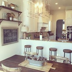 whimsygirldesign's photo on Instagram Kitchen Dinning, Kitchen Redo, Kitchen Remodel, Kitchen Layout, Rustic Kitchen, Dining Room, Cozinha Shabby Chic, Regal Design, Cozy House