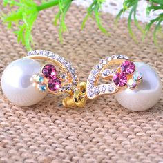 Glass #Pearl Stud #Earring, with bright #rhinestones, other colors you can choose.