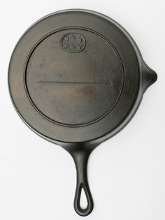 9 & 8, P & W, Early Gate Marked Skillet