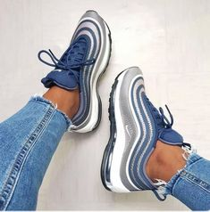 Nike Air Max 97 💧 Einkaufslink in Bio-Meeega Colorway, oder? - a ladie's bf - Schuhe Trendy Shoes, Cute Shoes, Me Too Shoes, Casual Shoes, Comfy Shoes, Formal Shoes, Sneakers Fashion, Fashion Shoes, Shoes Sneakers