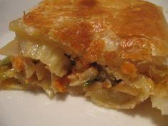 Pellillinen kaalipiirakkaa - helppo resepti! Apple Pie, Lasagna, Keto, Salad, Ethnic Recipes, Desserts, Food, Dips, Tailgate Desserts