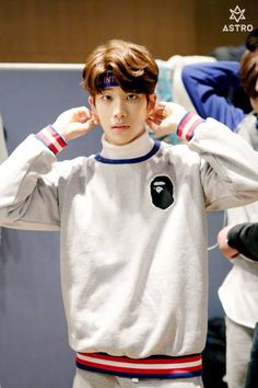 [07.04.16] Astro official Fancafe - Behind the scene from Music show promotions - MyungJun