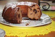 saftiger Gugelhupf mit Apfelmus und Schokostücken Dessert, Pancakes, Muffin, Breakfast, Food, Chocolate, Pies, Food Food, Bakken