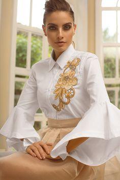 Camisa tricoline bordada