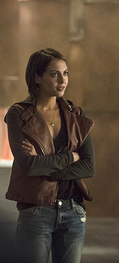 Arrow 3x05 - Thea Queen