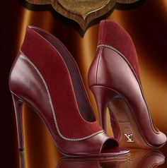 Louis Vuitton Booties Having the right stiletto makes all the difference in the world. Your shoes have to match your outfit to set the right tone. Stilettos, High Heels, Pumps, Zapatos Shoes, Shoes Heels, Bootie Boots, Shoe Boots, Red Booties, Chic Chic