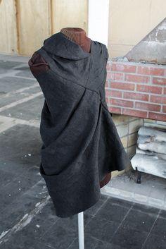sculptura fantastica, a Secret Lentil linen dress