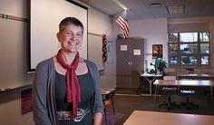 #Ballard High #School #teacher Kristin Storey in her #Seattle #classroom. Storey volunteers to help #FredHutch high school #interns draft their college application essays. Story: http://www.fredhutch.org/en/news/center-news/2015/10/why-seattle-teacher-serves-fred-hutch-intern-program.html Photo: Robert Hood / Fred Hutch #science #volunteer #passion #education