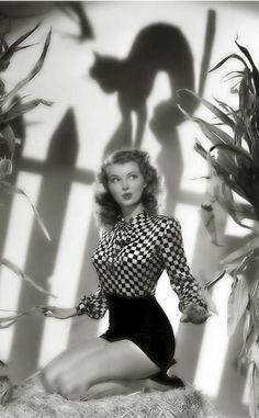Lillian Wells, 1940s. (Happy Halloween ; ))