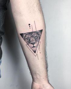 50 fantastic lion tattoos - new tattoo designs 2018 - lion .- 50 fantastische Löwentattoos – Neu Tatto Designs 2018 – Löwen Tattoo am Arm … 50 fantastic lion tattoos – new tattoo designs 2018 – lion tattoo on the arm – - Detailliertes Tattoo, Dreieckiges Tattoos, Tattoo Fonts, Trendy Tattoos, Unique Tattoos, Body Art Tattoos, Tattoos For Women, Small Tattoos For Men, Amazing Tattoos