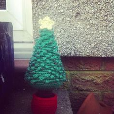 This will be the first free pattern I've posted in a long time. I've been so excited for christmas this year, but more for getting to decora...