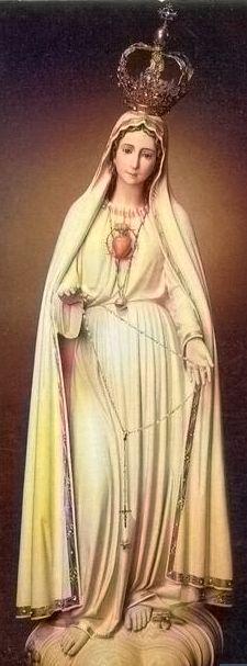 """""""¿Quién es ésta que sube del desierto rebosando en delicias, apoyada en su amado?"""" (Ct 8, 5). Esta es la Madre de nuestro rey y nuestra reina, la bendita entre todas las mujeres, la llena de gracia, la santa entre los santos, la amada de Dios, la inmaculada, la paloma, la más bella de todas las criaturas. #BenditaentrelasMujeres Religious Pictures, Religious Icons, Religious Art, Queen Of Heaven, Mary And Jesus, Hail Mary, Blessed Virgin Mary, The Masterpiece, Blessed Mother"""