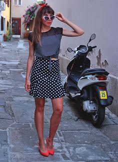 more: https://jointyicroissanty.blogspot.com/2016/09/double-dots.html  #retro #retrofashion #vintage #pinup #pinupfashion #polkadotskirt #polkadot #ootd #bandana #fashion #moda