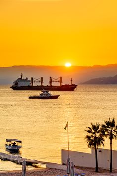 i just want to go back home, where i feel like i'm meant to be. Sunset in Aqaba, Jordan