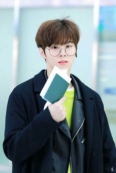 Read from the story weishin Daejeon, Cute Little Baby, Little Babies, Up10tion Wooshin, Fandom Kpop, Korean Boys Ulzzang, Kim Minseok, Pin Pics, Cha Eun Woo