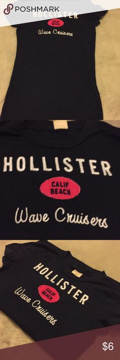 Navy Hollister tee Really soft comfy tee in gently preloved condition Hollister Tops Tees - Short Sleeve Hollister Tops, Beach Waves, Cool Style, Comfy, Navy, Tank Tops, Best Deals, Tees, Sleeve