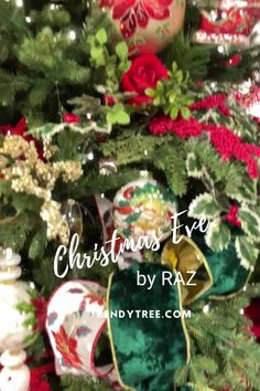 Christmas tree inspiration from RAZ! Visit Trendy Tree to see thirteen years of beautifully decorated Christmas trees from RAZ Imports. Christmas tree ideas that you can copy for your own home. #trendytree #christmastree #christmastreeinispiration Old World Christmas Ornaments, Christmas Tree Design, Christmas Store, Christmas Tree Themes, White Christmas, Christmas Eve, Christmas Tree Inspiration, Christmas Trends, Valentine Decorations