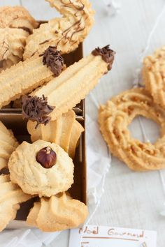 IMG_9251 Biscuit Cookies, Cupcake Cookies, Spritz Cookies, Arabic Food, Special Recipes, Churros, Macarons, Food To Make, Waffles