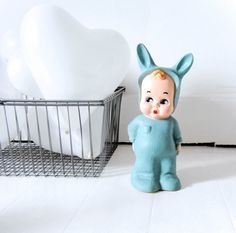 Green baby lapin lamp – Sunday in color