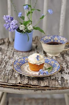 Country tea time blue...