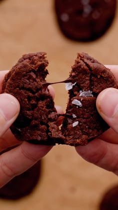 Chocolate Cookies, Crepes, Witchcraft, Chocolates, Food Videos, Brownies, Biscuits, Picnic, Tasty
