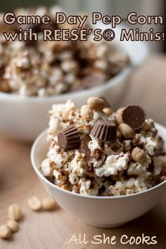 Get Your Game Day On with an Easy Tailgating Snack Recipe Popcorn Recipes, Candy Recipes, Snack Recipes, Tailgating Recipes, Tailgate Food, Easy Desserts, Delicious Desserts, Yummy Food, Simply Recipes