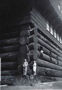 Monumental Architecture, Timber Architecture, Historical Architecture, Architecture Design, Old Pictures, Best Funny Pictures, Old Photos, Vintage Photos, Nephilim Giants