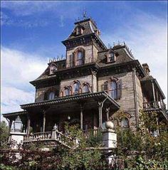 Addams Family house... Would love a house like this... so cool ... my bro got to see in person... so wish I could have