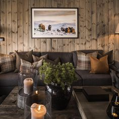 Mountain Cabin Decor, Ski Lodge Decor, Log Cabin Living, Chalet Interior, Lodge Style, Chalet Style, Small House Decorating, A Frame Cabin, Cabin Interiors