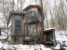cabin exterior by Horace Bergman, via Flickr