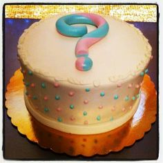 Gender revealing cake. Cute idea!
