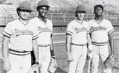 Los peloteros de los Navegantes del Magallanes Dimas Gutiérrez; Ángel Escobar, Pedro Chávez y Lester Straker, estadio José Bernardo Pérez. Temporada 1985-86 (UZZIEL VASNI VELIZ / ARCHIVO EL NACIONAL)