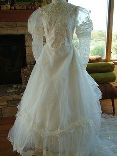 Vintage wedding dress 1970s victorian by RetroVintageWeddings, $450.00