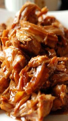 Chipotle Peach BBQ Chicken Chipotle Peach BBQ Chicken Recipe ~ tantalizingly spicy and sweet!<br> The slow cooker does all the work with this bbq chicken! Bbq Chicken, Chicken Recipes, Chipotle Chicken, Baked Chicken, Fruit Recipes, Healthy Recipes, Summer Recipes, Milk Recipes, Easy Recipes
