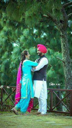 Punjabi Wedding Couple, Punjabi Couple, Sikh Wedding, Punjabi Girls, Pre Wedding Poses, Pre Wedding Shoot Ideas, Pre Wedding Photoshoot, Romantic Couples, Wedding Couples