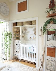 Don't have a whole room to devote to the nursery or just want to keep baby close by? We love the idea of the nursery nook. Will this be a 2018 nursery trend? Stay tuned as we'll be unveiling our top 2018 trends NEXT WEEK! Small Space Nursery, Small Space Living, Small Spaces, Small Baby Nursery, Nursery Ideas Neutral Small, Small Baby Space, Baby Bedroom, One Bedroom, Bedroom Ideas