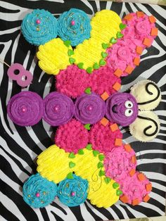 Cupcakes Cakes Pull Apart Butterfly New Ideas - Cupcake cakes pull apart - Pull Apart Cupcake Cake, Pull Apart Cake, Cake Pops, Cupcake Torte, Butterfly Birthday Party, Kids Birthday Cupcakes, Birthday Ideas, Butterfly Cakes, Cute Cakes